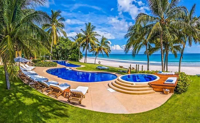 Luxury At Its Best: The Most Lavish Airbnb Mansions